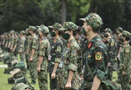 Nearly 34,000 soldiers join pandemic fight in HCM City