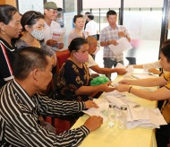 Vietnam plans another aid package for Covid-19-affected people