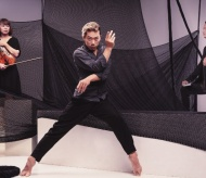 Online contemporary dance debuts to ease people's tediousness