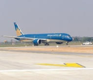Noi Bai Int'l Airport's upgraded runway put into operation