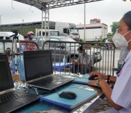 Hanoi installs QR-code scanning cameras at Covid-19 checkpoints
